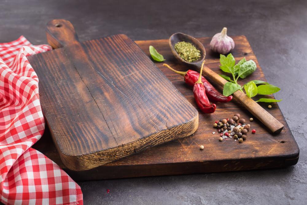 Van snijplanken tot lepels: zo houd je je houten keukenaccessoires écht mooi!