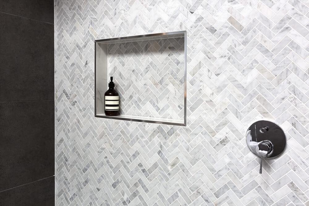 Herringbone tegels in de badkamer of keuken