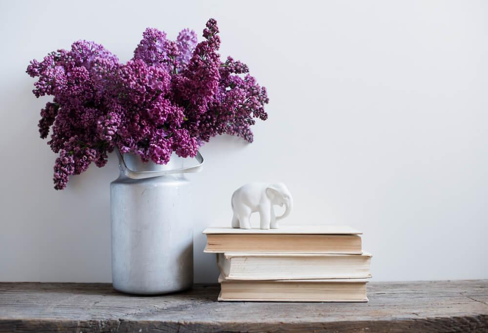 Sfeervol paars in je interieur: gedroogde bloemen