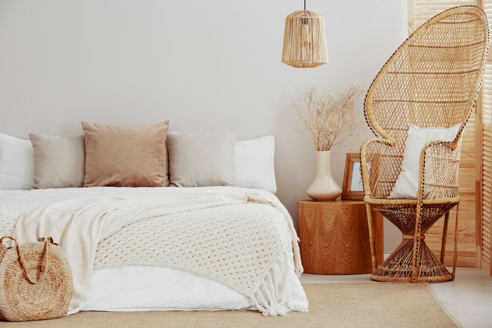 Pauwstoel in je interieur: mooi in de slaapkamer