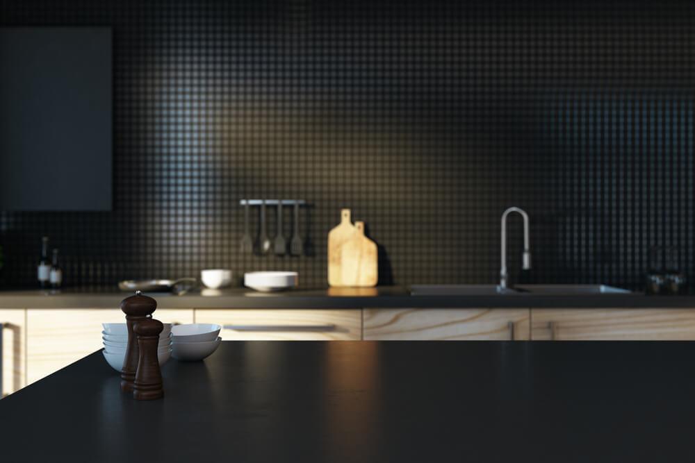 Moderne keuken in het zwart