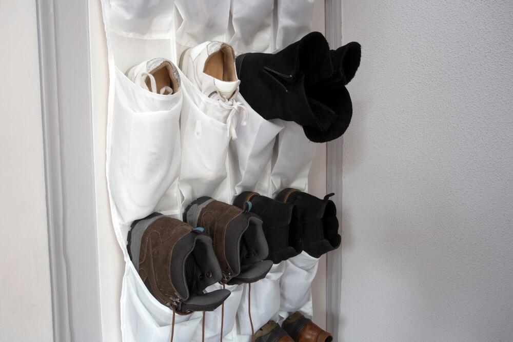 Tips voor opbergen van schoenen: aan je deur!