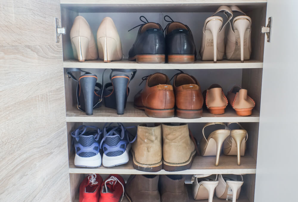 Een kledingkast als schoenenkast inrichten