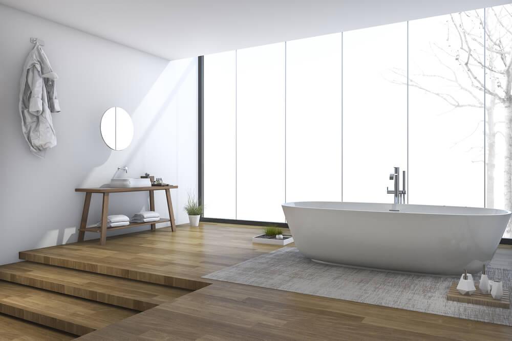 Hippe badkamer met een houten vloer