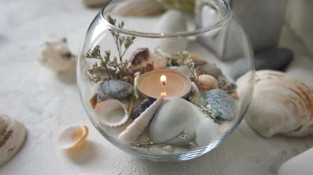 Kaarsen decoreren met schelpen