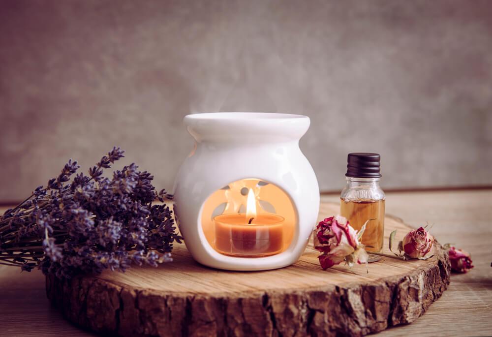 Kaarsen in huis met aroma