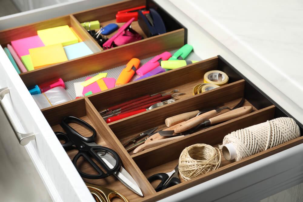 Je rommella (of rommelkast) organiseren: hoe pak je het écht goed aan?
